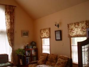 大きな花柄、クラシックなお部屋にぴったりでした。