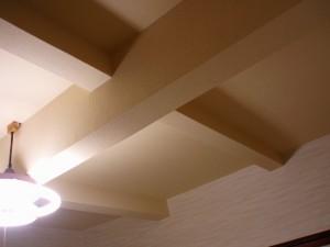 これが天井完成写真です。きれいでしょう~、びっくりです。
